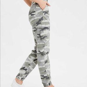 American Eagle camo jogger pants super stretch A34